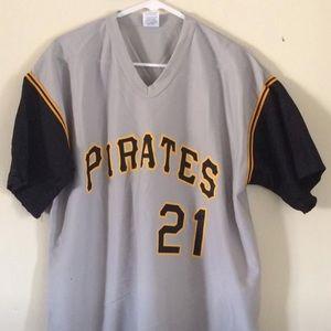 New Pittsburgh Pirate 21 T-Shirt. XL.